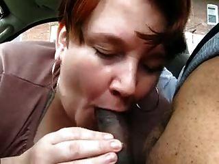 मोटा परिपक्व कार पर युवा काला करने के लिए blowjob देता है