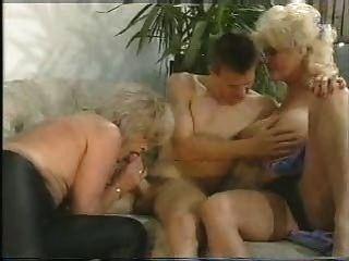 बेटा माँ और चाची - Karin Schubert और Snahbrandy द्वारा lotta TOPP