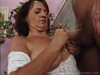 जर्मन दादी 9