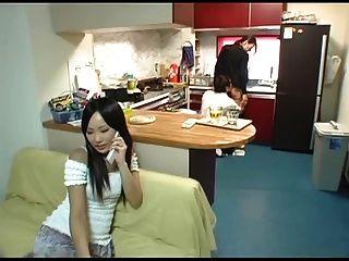 युवा पत्नी और युवा माँ-in-law दृश्य 5 (सेंसर)