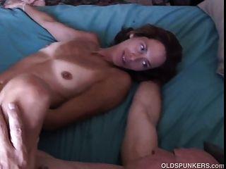 बहुत सेक्सी एशियाई बेब शेरी बकवास प्यार करता है