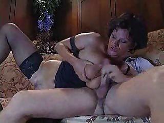 युवा लड़के के साथ इतालवी परिपक्व चाची कमबख्त