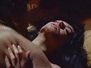 zerrin egeliler वर्ष तुर्की सेक्स कामुक फिल्म सेक्स दृश्य बालों