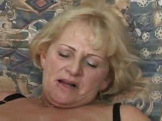 गोरा दादी चूसना और बकवास