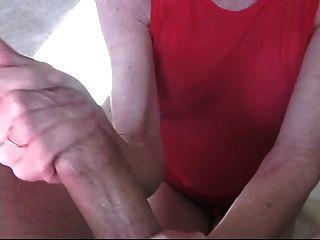 मेलानी हस्तमैथुन सिखाता है