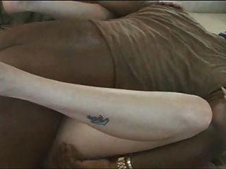 सादे सफेद पत्नी काला सह पीटी 1 हो जाता है