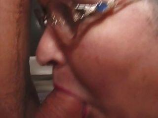 फैट दादी