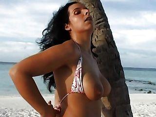 सही लातीनी जर्मन लड़की पत्नी अच्छा दौर स्तन बड़े लेबिया clit होठों