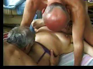 दादी दो पुराने लोग मनोरंजन