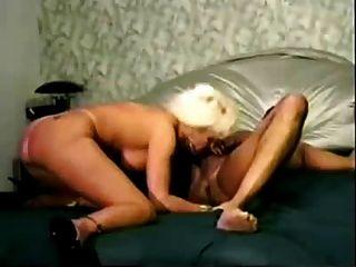 परिपक्व गर्म गोरा पत्नी बीबीसी द्वारा गड़बड़ हो जाता है