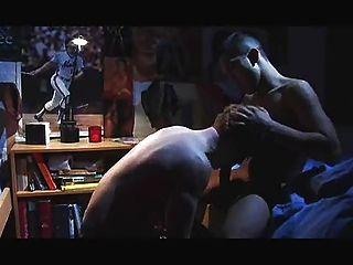 समलैंगिक - छात्रावास के कमरे में रहते
