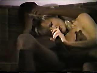 काले प्रेमी के साथ युवा गोरा सफेद पत्नी - घर अंतरजातीय