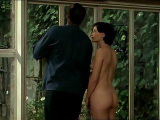 काले प्रेमी के साथ श्यामला सफेद औरत - कामुक अंतरजातीय