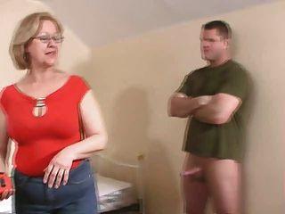 महिला के jacking बंद एक युवा पुरुष .... याद नहीं है !!!