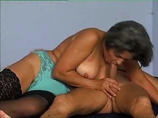 60plus दादी जिल