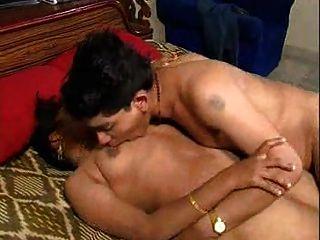 भारतीय युगल मज़ा आ रहा है