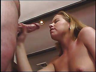 Tabitha स्टर्न एक अच्छा हाथ नौकरी देता है, गंदा बात करती है और सह के बहुत लेता है