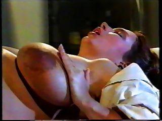 कामुक नर्स और डॉक्टर के साथ गर्भवती बेब