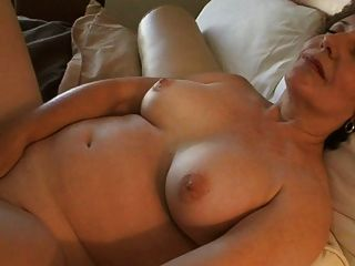 गर्म 50 + 29 एमी Lyn