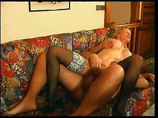 फ्रेंच परिपक्व 2 माँ युवा पुरुष पसंद करती है