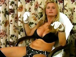 लिसा बर्लिन बैल एक बुरा strapon के साथ गुलाम चार्ल्स fucks