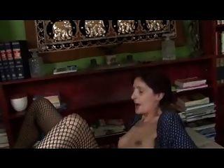 स्कीनी saggy छोटे titties fishnets Fucks दादी