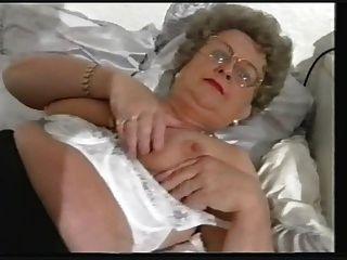 मोटा पुराने दादी स्ट्रिप्स और नाटकों फिर
