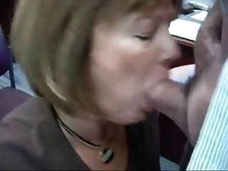 कार्यालय में पत्नी अभ्यास परिपूर्ण बनाता है