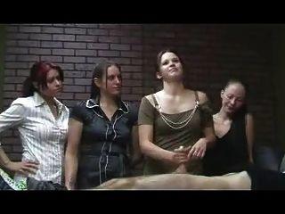 झटकेदार कार्यालय लड़कियों - सीबीटी Handjob