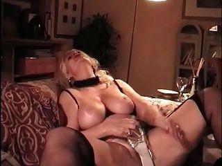 बड़े स्तन के साथ कबाड़ जर्मन परिपक्व एमआईएलए