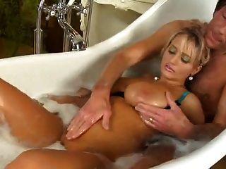 बड़े रसदार स्तन