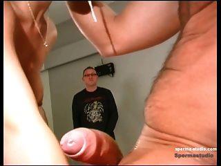 spermastudio: सह शॉट + गहरे गले - सह फूहड़ Niki