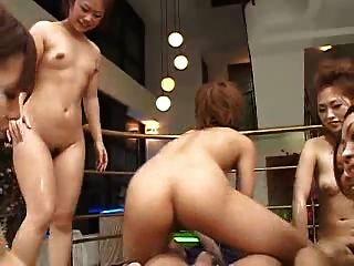 जापानी 6 लड़कियों 1 भाग्यशाली आदमी पीओवी (बिना सेंसर)