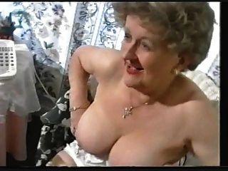 मोजा में मोटा पुराने दादी Teases