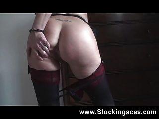 विशाल स्तन के साथ milf गोरा