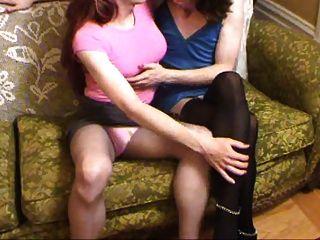 दो crossdressers चुंबन