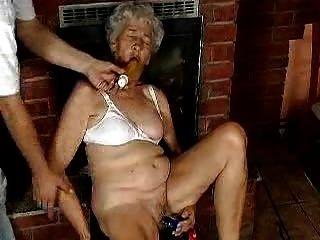 भव्य माँ dildo प्यार करता है ...