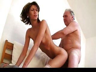 ओल्ड मैन Fucks युवा महिला 1