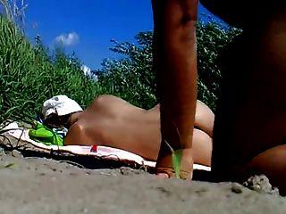 रस सार्वजनिक समुद्र तट फ्लैश सह महिला 85 देख - NV