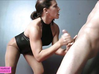 बिगड़ी सेक्स गुलाम परीक्षणों Pantyhose बंधन पर सह