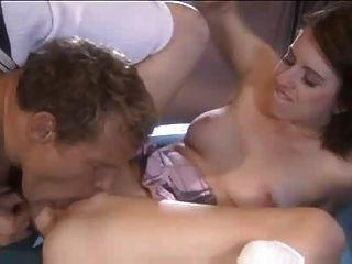 युवा लड़की seduces Daddys कर्मचारी - Lexi