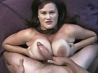 विशाल titty बकवास और बड़े पैमाने पर चेहरे