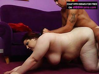 बीबीडब्ल्यू लाल बाल विशाल स्तन और वसा गधा भाग 2 के साथ fucks