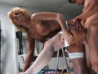 milf seduces युवा संवर्धन - Cireman
