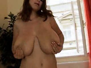 गर्म बड़े स्तन