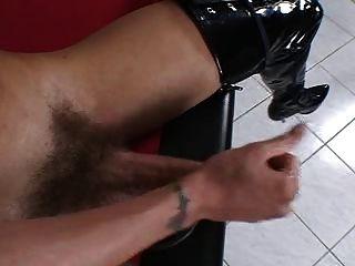 विशाल और सेक्सी किन्नर मिया इसाबेला एकल