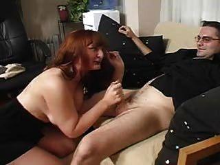 Pantyhose में बॉस हो जाता है वह क्या चाहती है