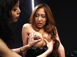 spyro1958 द्वारा समलैंगिक स्तनपान part1