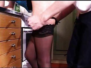युवा गोरा रसोई घर में गड़बड़ - सीएसएम