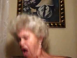 पुराने सुनहरे बालों वाली दादी cocksucker और कमीने
